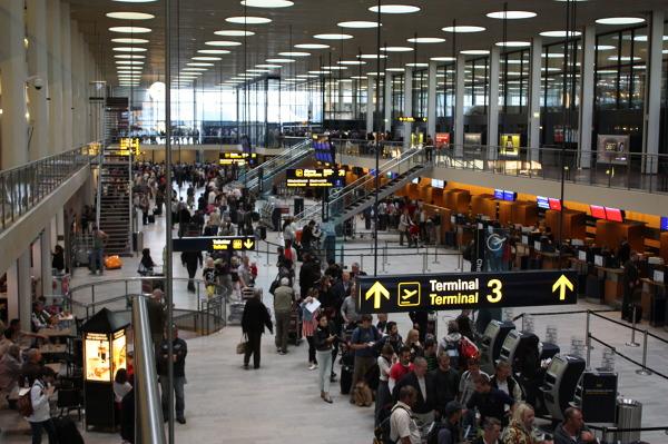 Wnętrze lotniska Kopenhaga-Kastrup