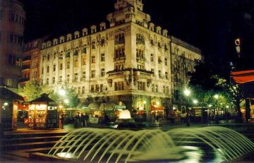 """Belgrad to także miejsce w którym powstały najbardziej znane filmy Kusturicy: """"Underground"""", """"Czarny kot, biały kot"""", a także film Srđana Dragojevicia """"Piękna wieś pięknie płonie"""""""