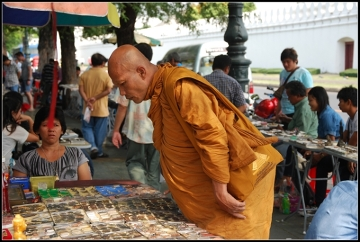 Bangkok - targ amuletów.