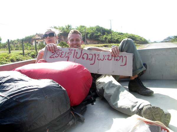 Autostop w Laosie.