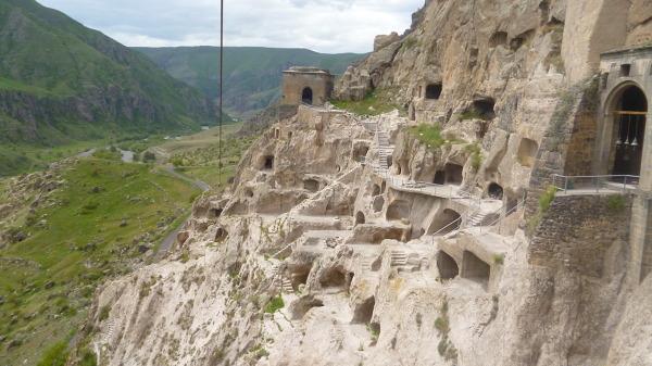 Vardzia - starożytne, skalne miasto.