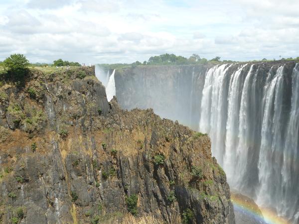 Widok na wodospady od strony Zambii