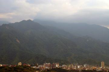 Pereira, jedno z wielu kilkusettysięcznych miast wciśniętych pomiędzy łańcuchy Andów.