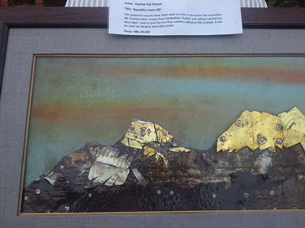 Obraz Everest o zachodzie (w opisie obrazu jest błędna informacja, że to poranek. Oglądając ten widok z Kala Patthar, słońce wschodzi zza Everestu i nie oświetla góry w ten sposób. Taki widok można zobaczyć jedynie o zachodzie słońca).