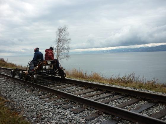 częściej jeździ tu drezyna, niż pociąg
