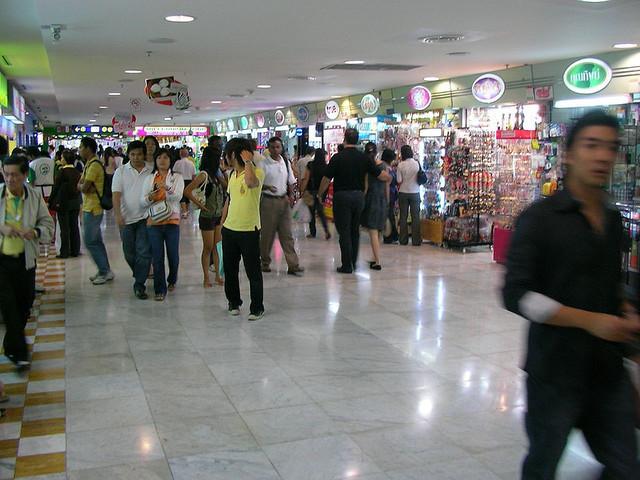Współczesnym jedwabnym szlakiem – zakupy w Azji