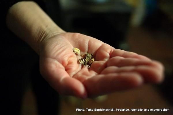 Samorodki złota wydobyte z Inguri