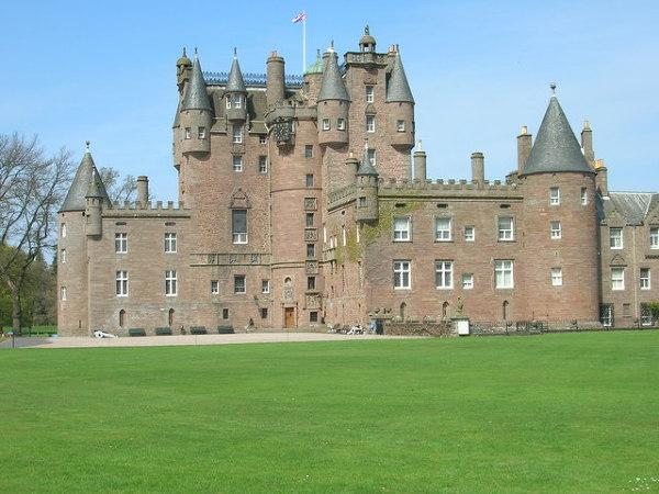Słynny zamek Glamis - gratka dla wielbicieli zjaw i duchów