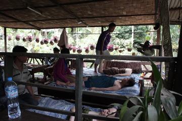 Masaż u mnichów.