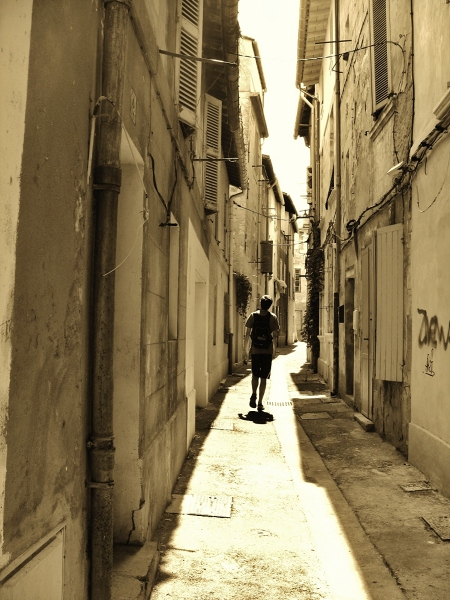 W ulicach Avinionu