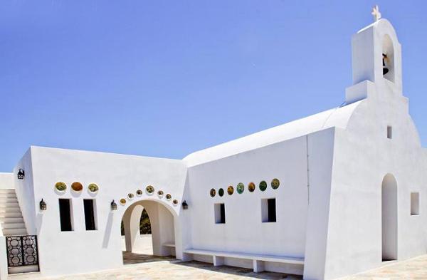 Kościół Alexandros umiejscowiony w drodze na Kastro