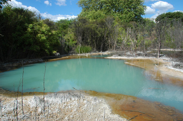 Siarkowe jezioro w Rotorua