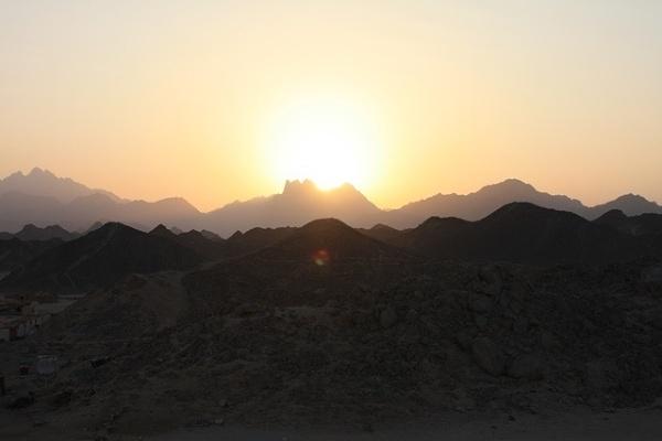 Zachód słońca na pustyni