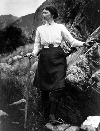 Freda du Faur, australijska wspinaczka, zdobyła min. Górę Cook'a