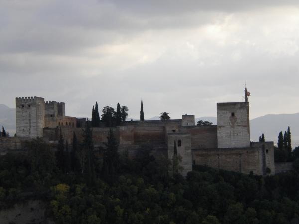 Alhambra - w oczekiwaniu na promienie słoneczne