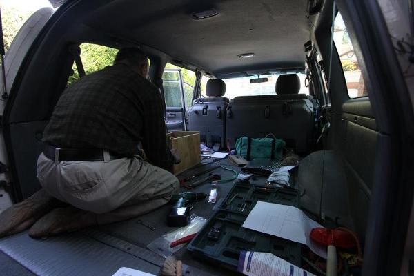 Instalacja dodatkowych baterii w aucie, jest niezbędna do zasilania lodówki