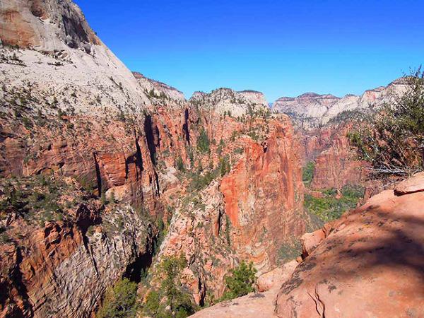 """Park Narodowy Zion - widok z """"podestu dla aniołów"""""""