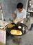 Chińska pita prosto z rozgrzanej blachy