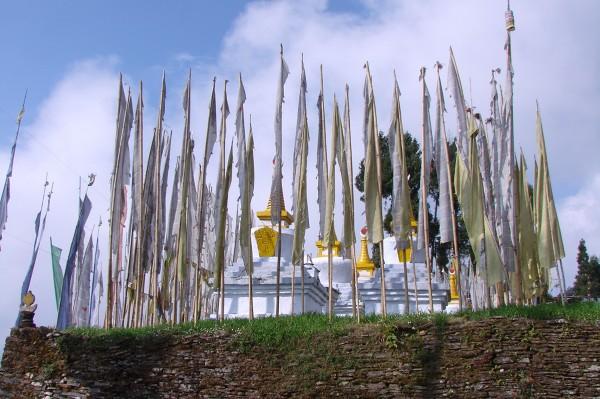 Stupy przy klasztorze Sanga Choling