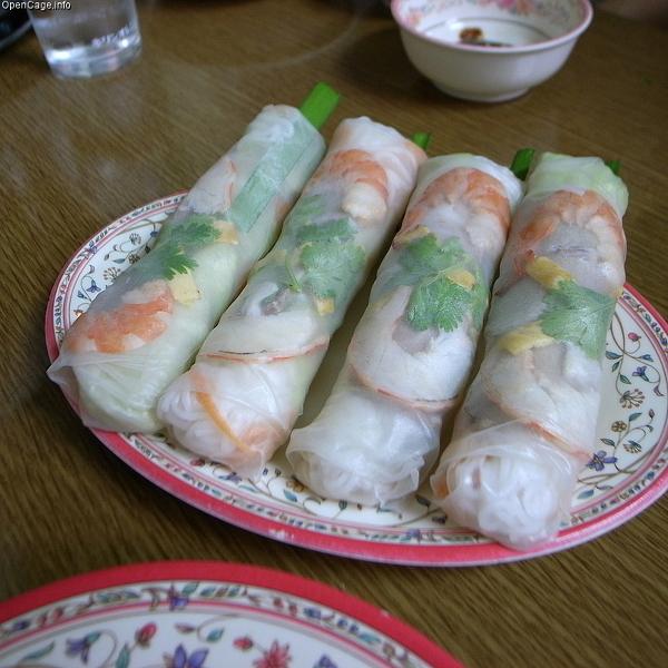 Nem - czyli roladki pełne krewetek, świerzych ziół i warzyw, zawijane w papier ryżowy