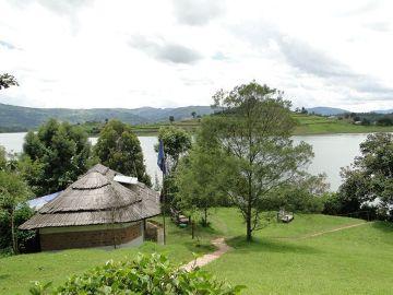Wyspa na jeziorze Bunyoni