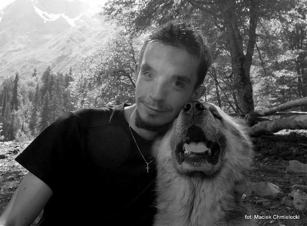 Tomek i owczarek kaukaski zwany Lomą
