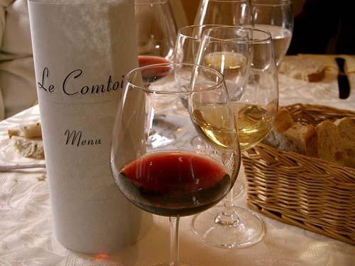 Degustacja francuskiego wina