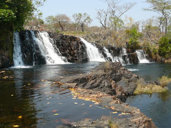 Jeden z wodospadów w kompleksie Ntumbachushi