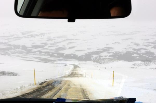 Przejazd przez Islandię to jednocześnie podróż przez wszystkie pory roku