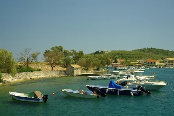 Zatoczka dla małych łodzi w Gaios