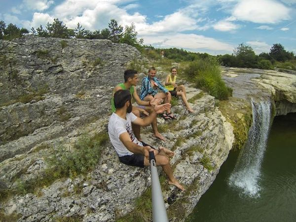 Chorwacja. Drobne przyjemności w podróży, czyli cały dzień skakania ze znalezionego przypadkiem wodospadu w mieście Pazin